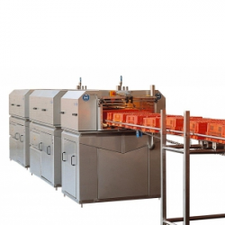 In-line crate washer for live bird crates, capacity max. 450 crates/hour, manufactured out of stainless steel and other non-corrosive materials. The machine is suitable to handle live bird crates of 860 x 650 x 300 mm.